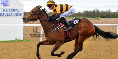 R3 Yvette Bremner Lyle Hewitson Her Eminence- 8 July 2019-Fairview Racecourse-1-PHP_9307