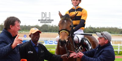 R3 Yvette Bremner Lyle Hewitson Her Eminence- 8 July 2019-Fairview Racecourse-1-PHP_9323