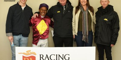 R4 Gavin Smith Muzi Yeni Conquering King- 19 July 2019-Fairview Racecourse-1-PHP_1014