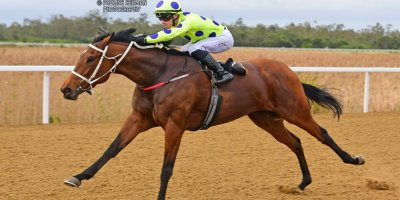 R5 Yvette Bremner Lyle Hewitson Flying Squadron- 12 July 2019-Fairview Racecourse-1-PHP_9958