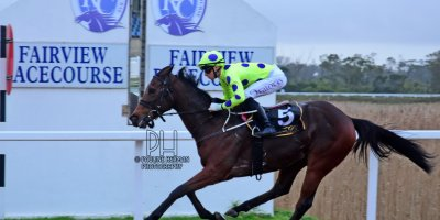R8 Yvette Bremner Lyle Hewitson Open Fire- 12 July 2019-Fairview Racecourse-1-PHP_0215