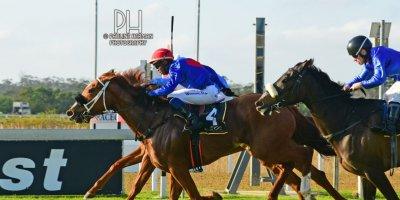 R7 Alan Greeff Charles Ndlovu Meryl-Fairview Racecourse-23 August 20191-PHP_6026