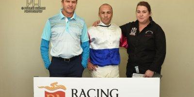 R7 Tara Laing Chase Maujean Exelero- 5 August 2019-Fairview Racecourse-1-PHP_4178
