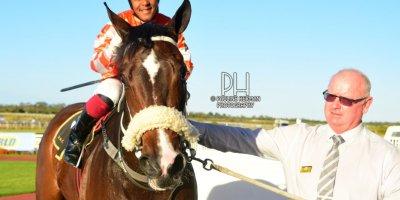 R9 Gavin Smith Muzi Yeni Tundra-Fairview Racecourse-30 August 20191-PHP_7199
