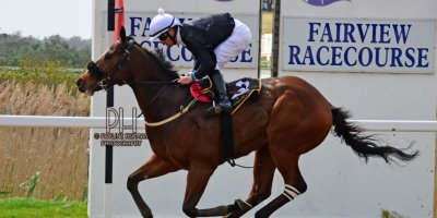 R1 Tara Laing Chase Maujean Thomas Shelby-Fairview Racecourse-20 September 20191-PHP_9247