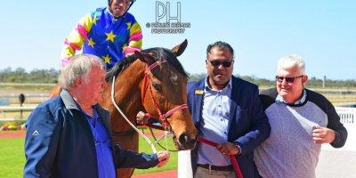 R2 Sharon Kotzen Louie Mxothwa Easybyfar-Fairview Racecourse-2 September 20191-PHP_7283