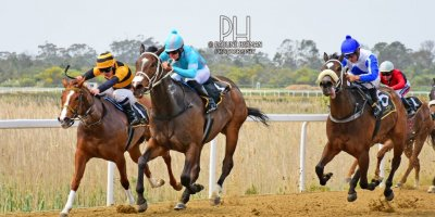 R2 Yvette Bremner Richard Fourie Mary O Reilly-Fairview Racecourse-20 September 20191-PHP_9292