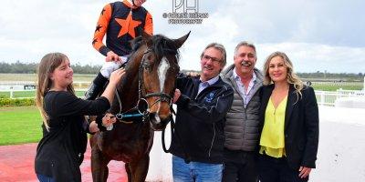 R3 Yvette Bremner Callan Murray Coyote Creek-Fairview Racecourse-30 September 20191-PHP_1718