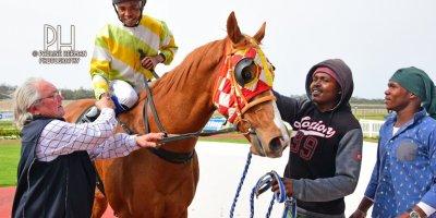 R5 Hekkie Strydom Charles Ndlovu Elusive Kat-Fairview Racecourse-20 September 20191-PHP_9417