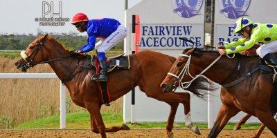 R6 Alan Greeff Charles Ndlovu Meryl - Walmer Handicap-Fairview Racecourse-20 September 20191-PHP_9544