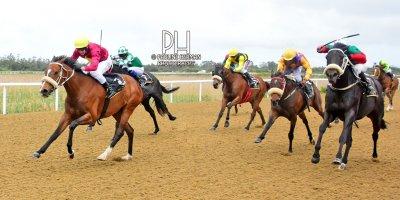 R6 Gavin Smith Warren Kennedy Close To My Heart-Fairview Racecourse-30 September 20191-PHP_1963