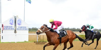 R6 Gavin Smith Warren Kennedy Close To My Heart-Fairview Racecourse-30 September 20191-PHP_1965