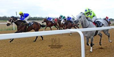R8 Yvette Bremner Callan Murray Self Assured-Fairview Racecourse-30 September 20191-PHP_2100