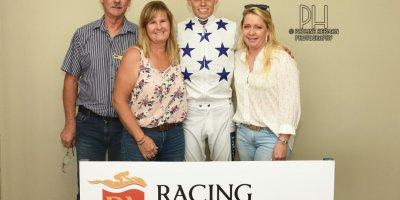 R2 Yvette Bremner Callan Murray Nickleback-Fairview Racecourse-25 October 20191-PHP_4578