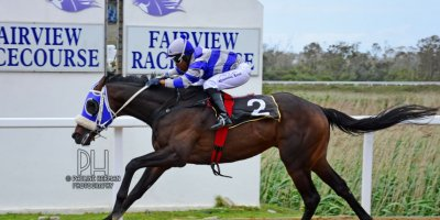 R3 Gavin Smith Muzi Yeni Rocks and Daggers-Fairview Racecourse-21 October 20191-PHP_4162