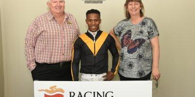 R3 Sharon Kotzen Louie Mxothwa Finley Hill-Fairview Racecourse-4 October 20191-PHP_2369
