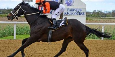 R6 Yvette Bremner Wayne Agrella Believethisbeauty-Fairview Racecourse-21 October 20191-PHP_4333