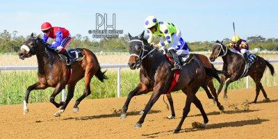 R7 Yvette Bremner Richard Fourie Rebel Wilson-Fairview Racecourse-11 October 20191-PHP_3324