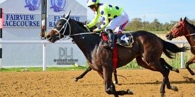 R7 Yvette Bremner Richard Fourie Rebel Wilson-Fairview Racecourse-11 October 20191-PHP_3327