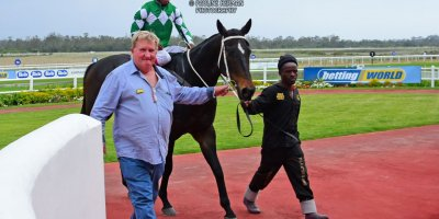 R8 Duncan McKenzie Louie Mxothwa Barbarella Nights-Fairview Racecourse-18 October 20191-PHP_4052