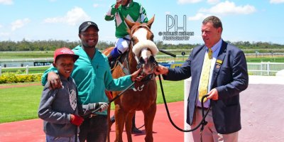 R1 Alan Greeff Charles Ndlovu Step Lively-Fairview Racecourse -15 November 2019-1-PHP_7651