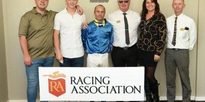 R2 Gavin Smith Chase Maujean Caballe-Fairview Racecourse -22 November 2019-1-PHP_0566