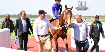 R5 Duncan McKenzie MJ Byleveld Lord Balmoral-Fairview Racecourse -29 November 2019-1-PHP_1472