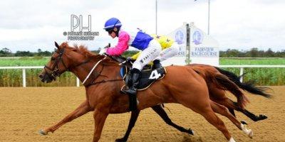 R1 Yvette Bremner Wayne Agrella Scottish Ally-Fairview Racecourse -30 December 2019-1-PHP_6899