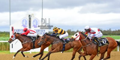 R2 Jacques Strydom Keanen Steyn King Capone-Fairview Racecourse -30 December 2019-1-PHP_7021