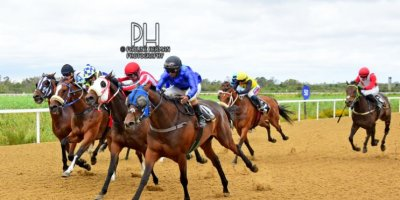 R3 Jacques Strydom Daniel Bogaleboile Omaha Tribe-Fairview Racecourse -30 December 2019-1-PHP_7073