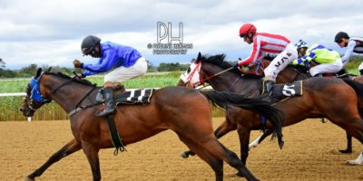 R3 Jacques Strydom Daniel Bogaleboile Omaha Tribe-Fairview Racecourse -30 December 2019-1-PHP_7077