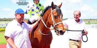 R4 Yvette Bremner Wayne Agrella Sir Frenchie-Fairview Racecourse -27 December 2019-1-PHP_5599