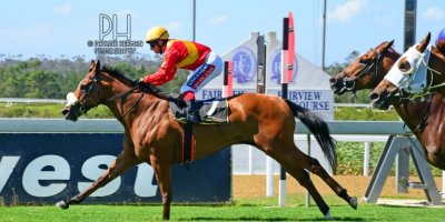 R5 Alan Greeff Greg Cheyne Voices of Light-Fairview Racecourse -13 December 2019-1-PHP_2681