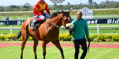 R5 Alan Greeff Greg Cheyne Voices of Light-Fairview Racecourse -13 December 2019-1-PHP_2685