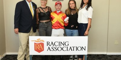R5 Alan Greeff Greg Cheyne Voices of Light-Fairview Racecourse -13 December 2019-1-PHP_2703