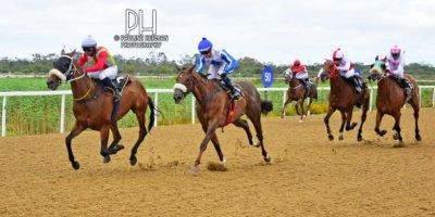 R5 Gavin Smith Julius Mphanya Love Talk-Fairview Racecourse -30 December 2019-1-PHP_7237