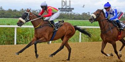 R5 Gavin Smith Julius Mphanya Love Talk-Fairview Racecourse -30 December 2019-1-PHP_7239