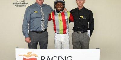 R5 Gavin Smith Julius Mphanya Love Talk-Fairview Racecourse -30 December 2019-1-PHP_7277