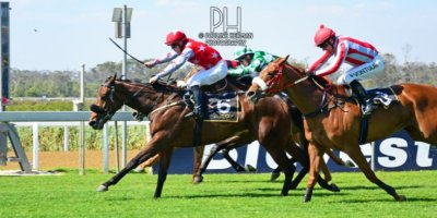 R5 Tara Laing Chase Maujean Red Herring-Fairview Racecourse -6 December 2019-1-PHP_2073