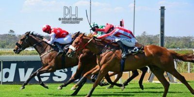 R5 Tara Laing Chase Maujean Red Herring-Fairview Racecourse -6 December 2019-1-PHP_2075