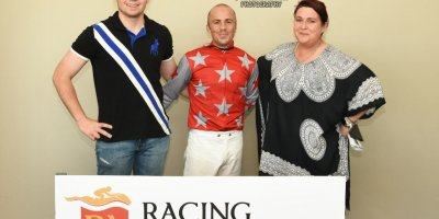 R5 Tara Laing Chase Maujean Red Herring-Fairview Racecourse -6 December 2019-1-PHP_2110