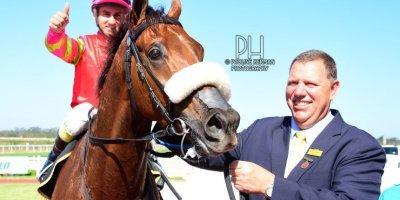 R6 Alan Greeff Teaque Gould Philos-Fairview Racecourse -13 December 2019-1-PHP_2759