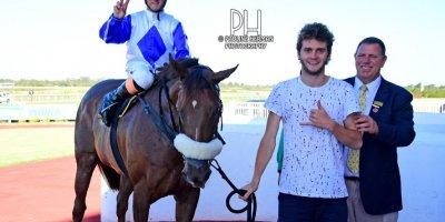 R8 Alan Greeff Teaque Gould Quakeshake-Fairview Racecourse -20 December 2019-1-PHP_4721