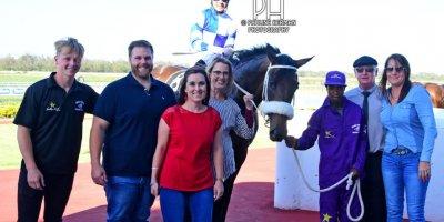 R8 Gavin Smith Marco van Rensburg Double Shuffle-Fairview Racecourse -13 December 2019-1-PHP_2916