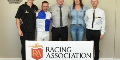 R8 Gavin Smith Marco van Rensburg Double Shuffle-Fairview Racecourse -13 December 2019-1-PHP_2921