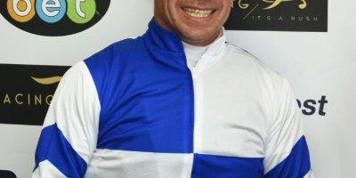 R8 Gavin Smith Marco van Rensburg Double Shuffle-Fairview Racecourse -13 December 2019-1-PHP_2925