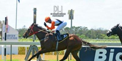 R1 Sharon Kotzen Sandile Khathi Magnificus-Fairview Racecourse-14 FEB 2020-1-PHP_3924