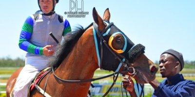 R1 Tara Laing Chase Maujean Apollo Rock-Fairview Racecourse-11 FEB 2020-1-PHP_3470