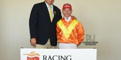 R2 Alan Greeff Greg Cheyne Linda Loves Lace-Fairview Racecourse-24 FEB 2020-1-PHP_5149