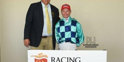 R4 Alan Greeff Greg Cheyne Africa's Gold-Fairview Racecourse-14 FEB 2020-1-PHP_4047